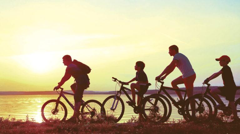 family-on-bikes-02